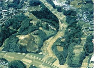 Azeta-yatsu_20050118.JPG